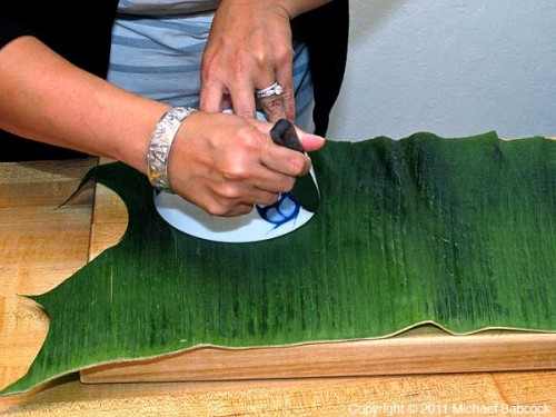 Cutting Banana Leaf