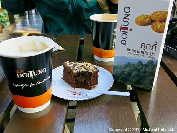 Café Doi Tung Treats
