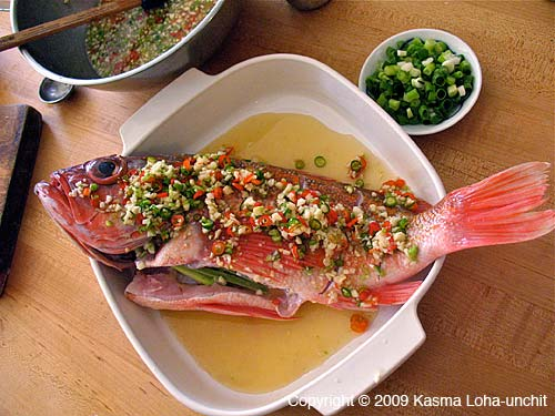 Whole fish dishes thai food and travel blog for Steamed whole fish