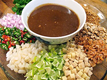 Ingredients for miang kam