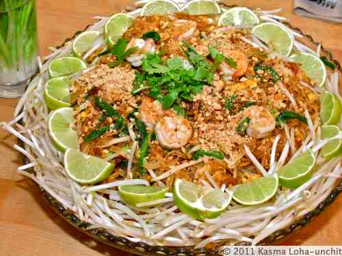 the shrimp pad thai on the lighter thai cooking school easy pad thai